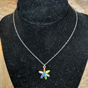 Girls flower necklace